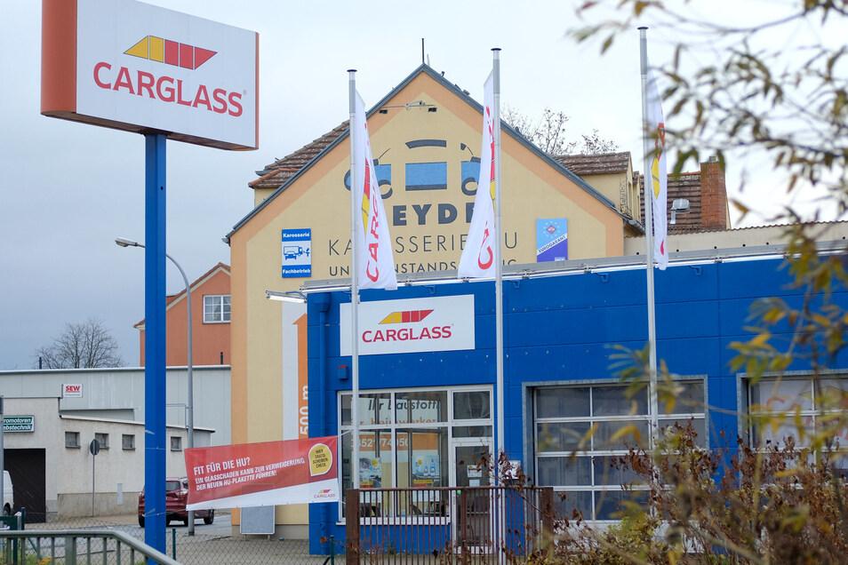 Die Stadt übernimmt zum 1. Januar das Gebäude an der Niederauer Straße 2, das derzeit noch die Firma Carglass nutzt.