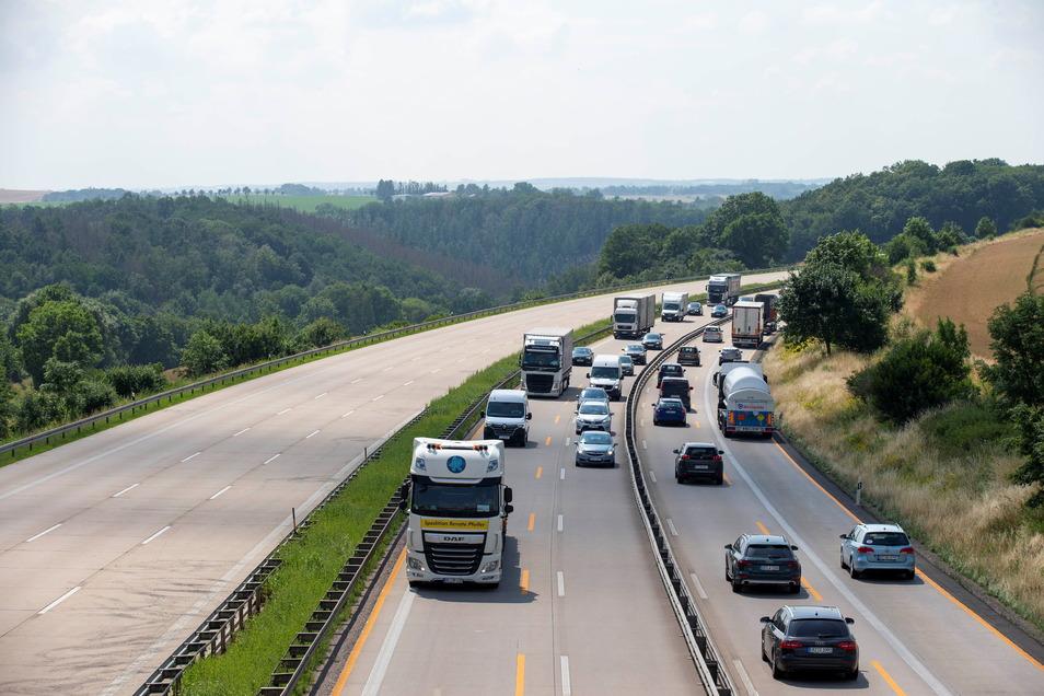 Auf der A4 bei Wilsdruff bleibt es in den kommenden Wochen dabei, dass je Fahrtrichtung nur zwei statt drei Fahrspuren zur Verfügung stehen.