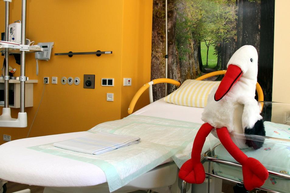 Kreißsaal im Pirnaer Klinikum: Das Geburtszimmer lässt sich jetzt virtuell erkunden.