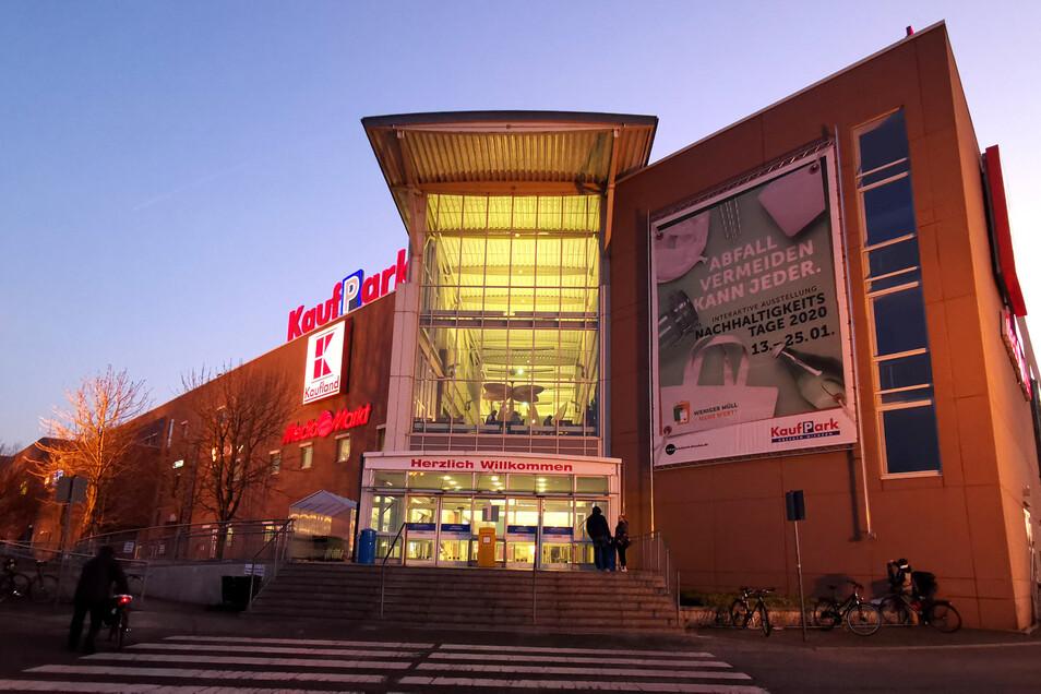 Das beliebte Einkaufszentrum an der Dohnaer Straße bekommt einen neuen Besitzer. Der wird aber erst im kommenden Jahr aktiv.