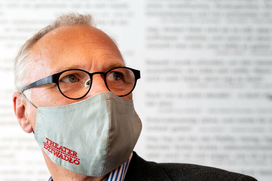 Bautzens Intendant Lutz Hillmann kritisiert die flächendeckende Schließung der Theater und Kulturbetriebe.