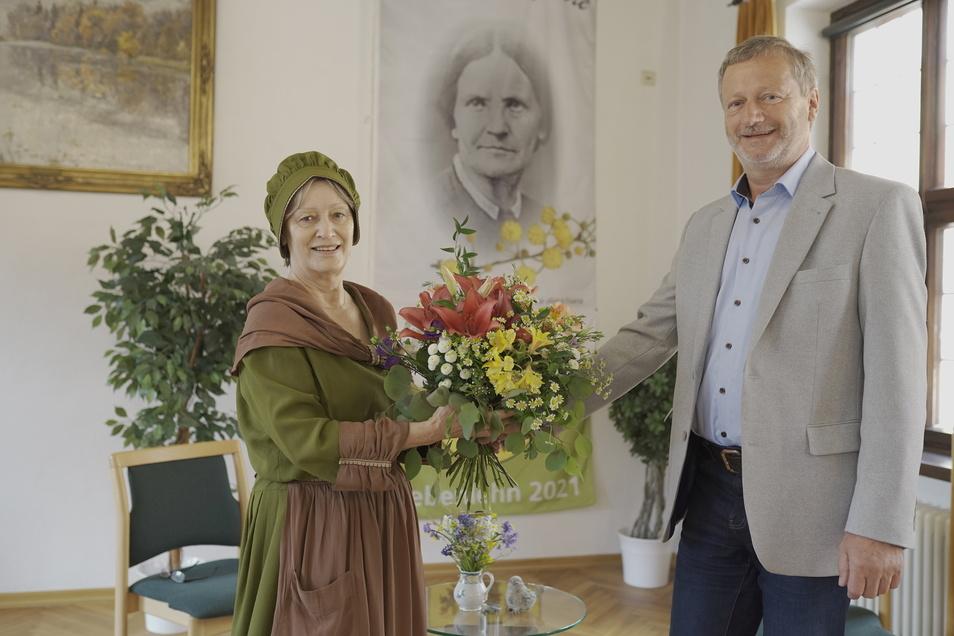 """Amalie Dietrich"" alias Gisela Berszick wird am 26. Mai 200 Jahre alt. Dietmar Lippert, Organisator des Jubiläumsjahres, gratuliert der berühmten Siebenlehner Naturforscherin."