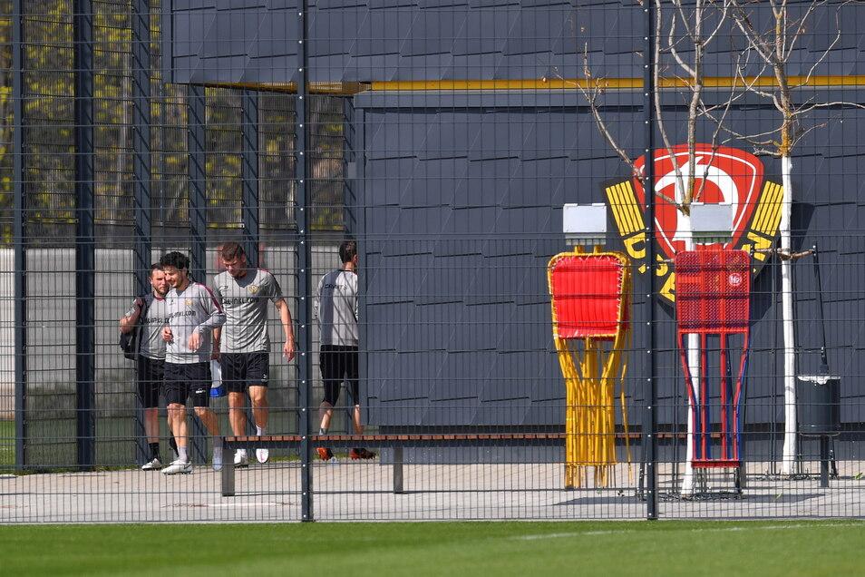 Betreten verboten - gilt es im Trainingszentrum zumindest für die Öffentlichkeit. Die Mannschaft hat am Freitag zum ersten Mal in dieser Woche zusammen trainieren dürfen.