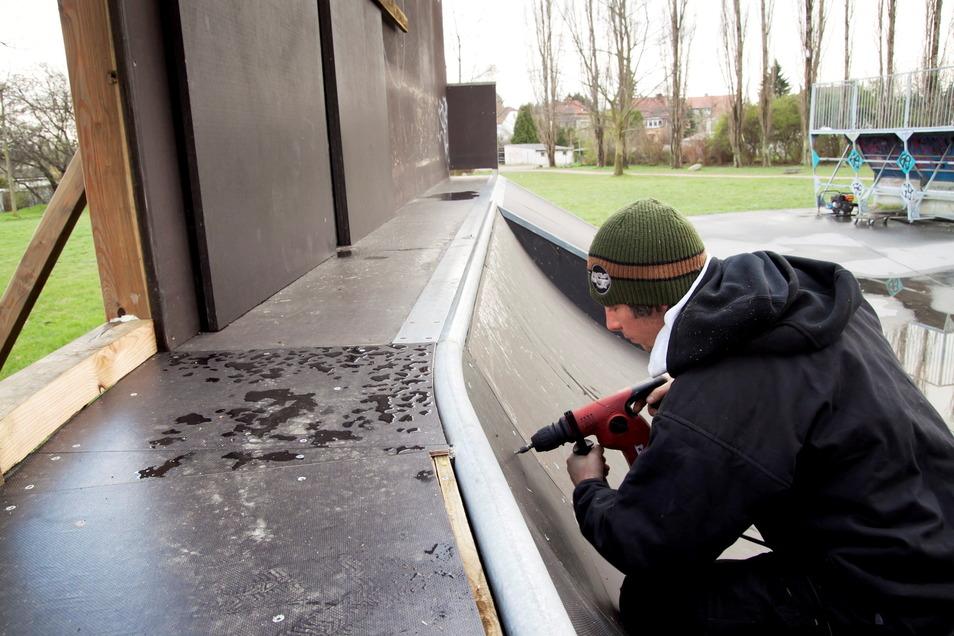 Dieser Teil der Skateanlage in Weinhübel muss nun abgebaut werden, weil er verschlissen ist.
