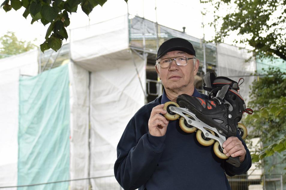 Skaterrollen sind teuer, sagt Hans-Jürgen Burkhardt. Sie zu sozialverträglichen Preisen zu ersetzen, könne der Verein Nachtskaten Dresden nicht allein stemmen.