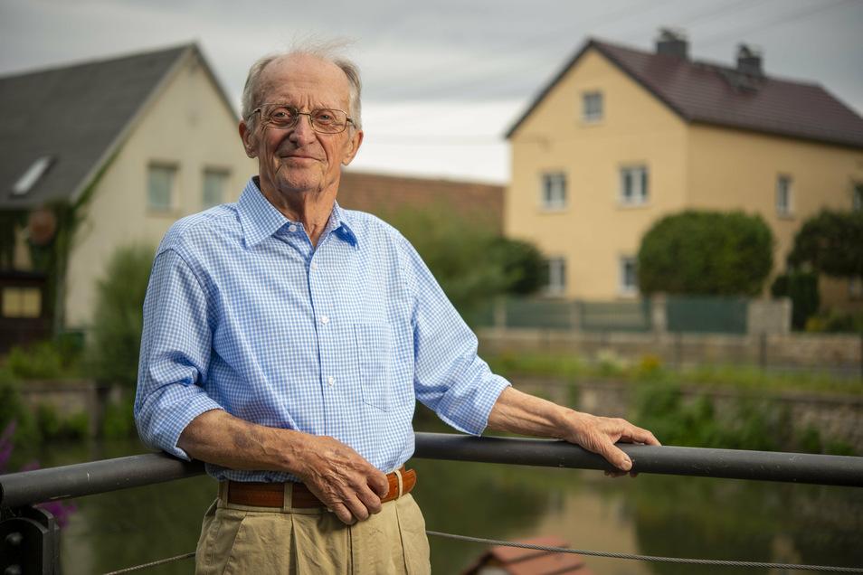 Siegfried Schneider ist ein Wahnsdorfer Urgestein. Mit dem Erarbeiten einer Gestaltungsrichtlinie oder der Sanierung des Dorfteichs half er als Ortschaftsratsvorsitzender mit, den historischen Ortskern zu erhalten und zu bewahren.