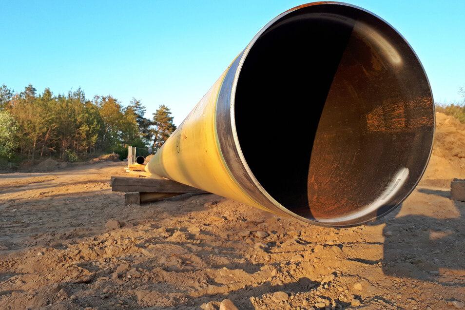 Die Verlegung einer Ferngasleitung hat jetzt zwei Wochen lang für eine Straßensperrung bei Zeithain gesorgt.