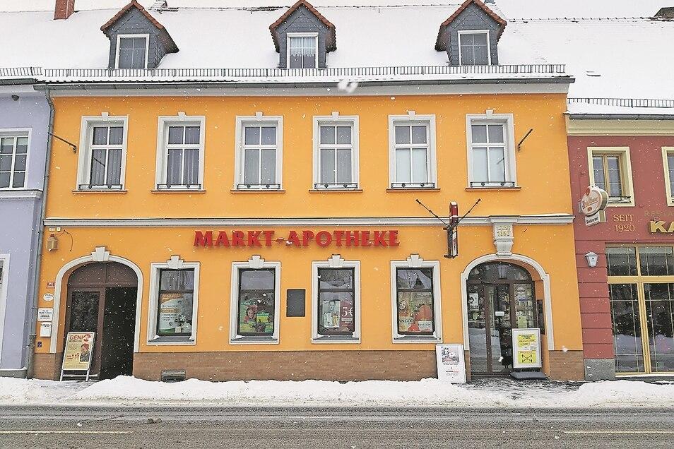 Die Markt-Apotheke in Bad Muskau gibt es seit 360 Jahren. Findet sich kein neuer Inhaber, bedeutet dies das Aus für eine der ältesten deutschen Apotheken.