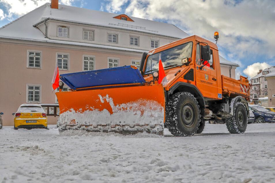 Am Donnerstag hat sich der Einsatz des Schneeflugs in Jonsdorf gelohnt.