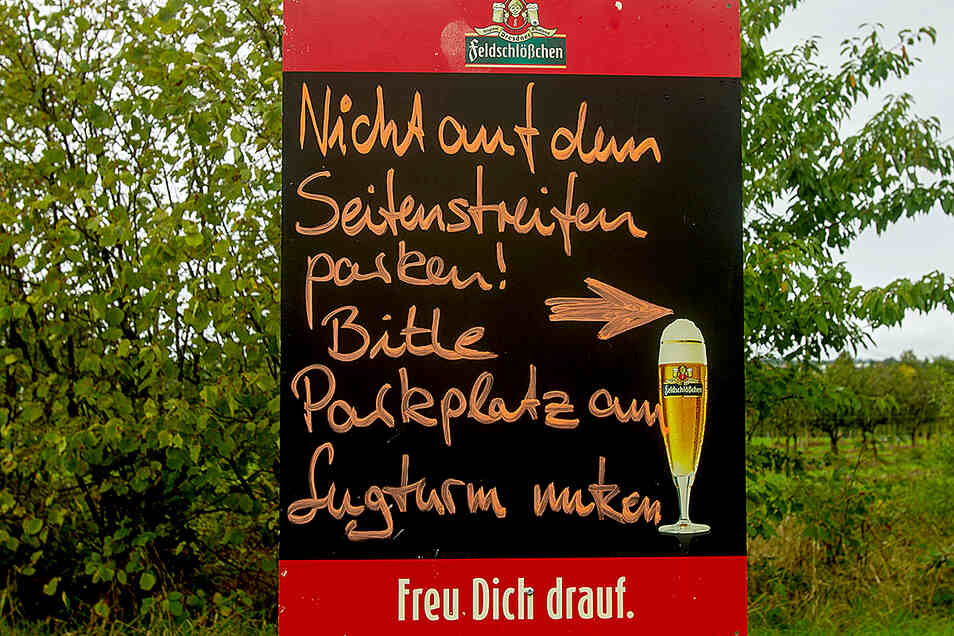 Ein Schild ohne Wirkung: Viele Lugturm-Besucher beachten diesen Hinweis nicht.