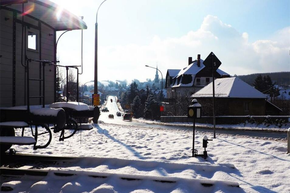 Freital. Ein Winterstillleben der Windbergbahn an der B 170  hat Peter Schoenball aus Bannewitz zum Fotowettbewerb eingesandt.