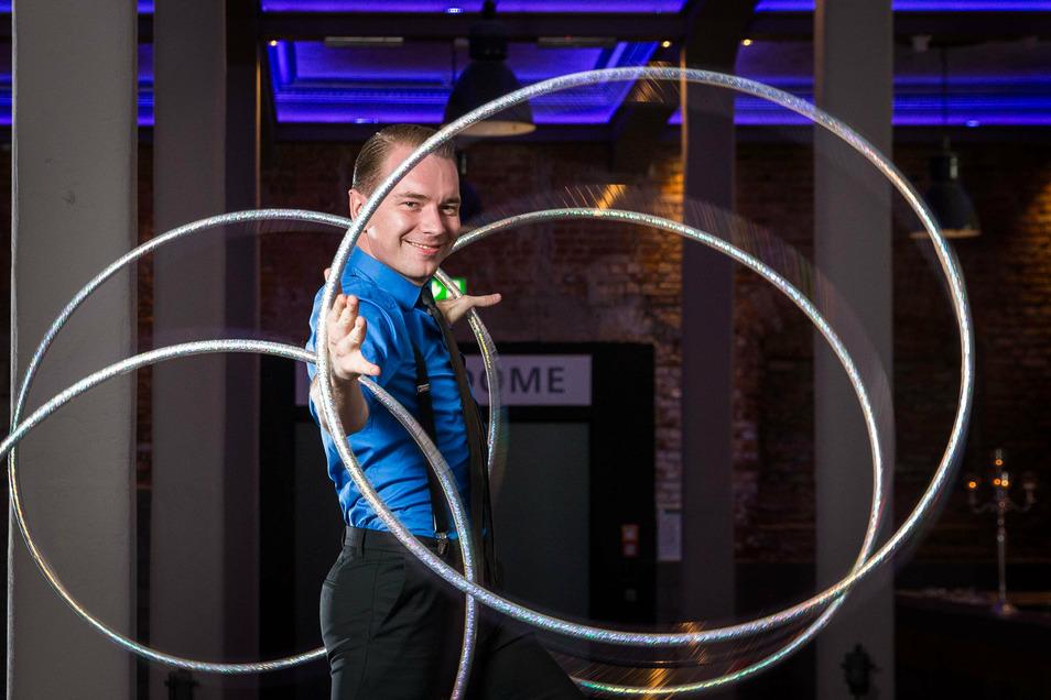Auch Künstler Igor Boutorine wird zur Jubiläumsshow im Ostra-Dome dabei sein.