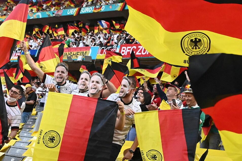 Zugelassen waren 14.500 Zuschauer, doch nur 13.000 kamen am Dienstag in die Münchner EM-Arena.