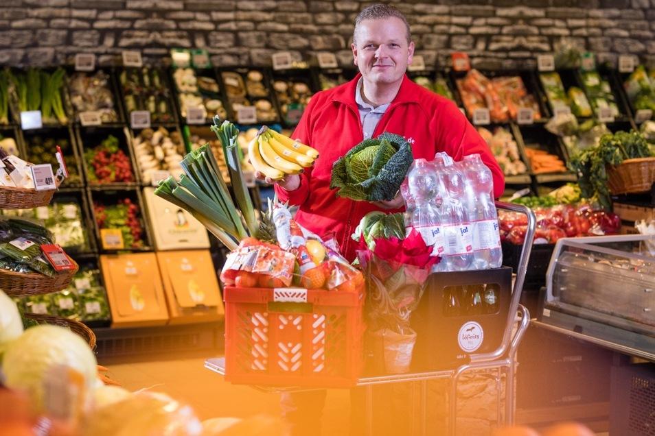 Björn Keyser im Radebeule Rewe-Markt.