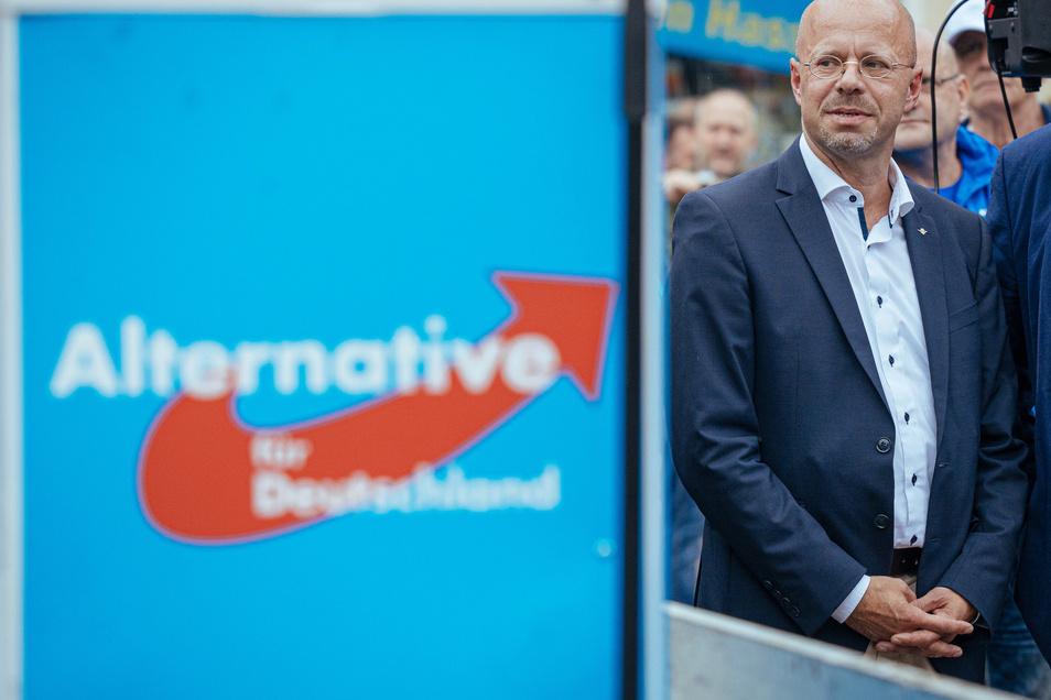 Der Streit um Andreas Kalbitz (rechts) schadet offenbar der gesamten Partei.