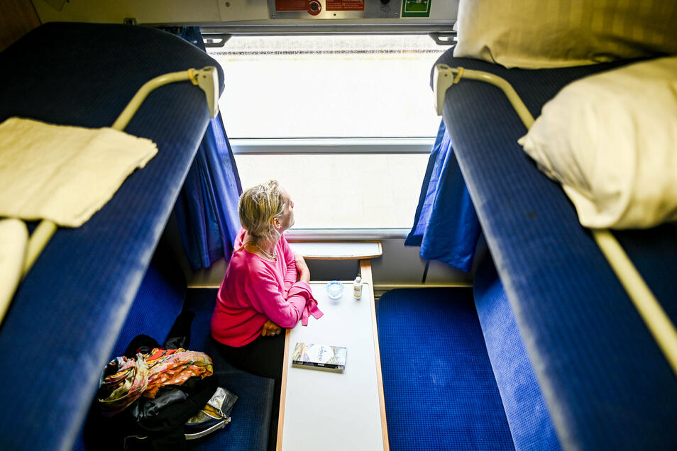 Auf der Strecke macht der Nachtexpress unter anderem Halt in Niebüll, Husum, Hamburg, Frankfurt, Nürnberg und München.