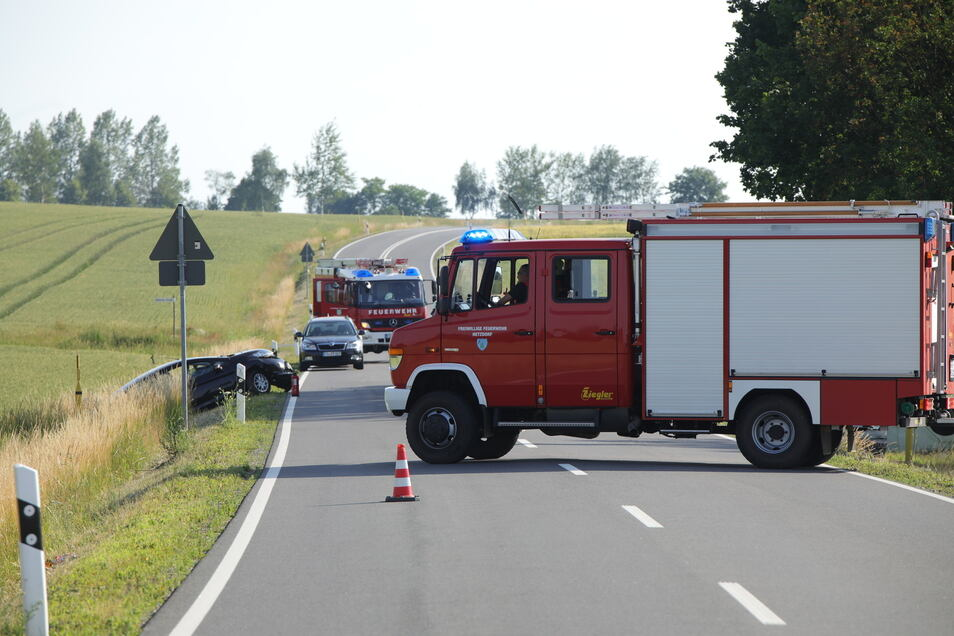 Die Bundesstraße war über dreieinhalb Stunden gesperrt.