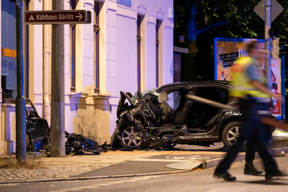 Der Aufprall an der Hauswand in Görlitz-Weinhübel im Juli 2020 endet für den Fahrer tödlich.