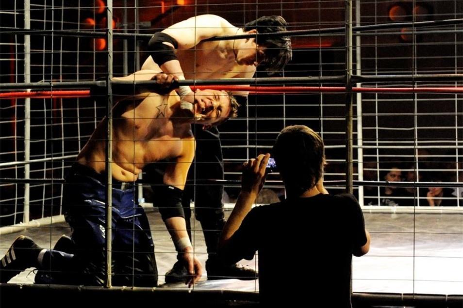 Wrestling ist Show: Marcel Koltermann (l.) 2010 in Aktion.