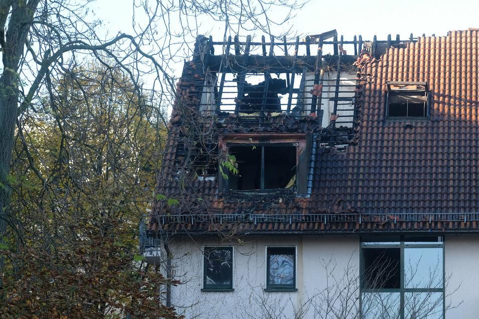 Bei einem Feuer in diesem Haus kam ein zwölfjähriges Mädchen ums Leben.