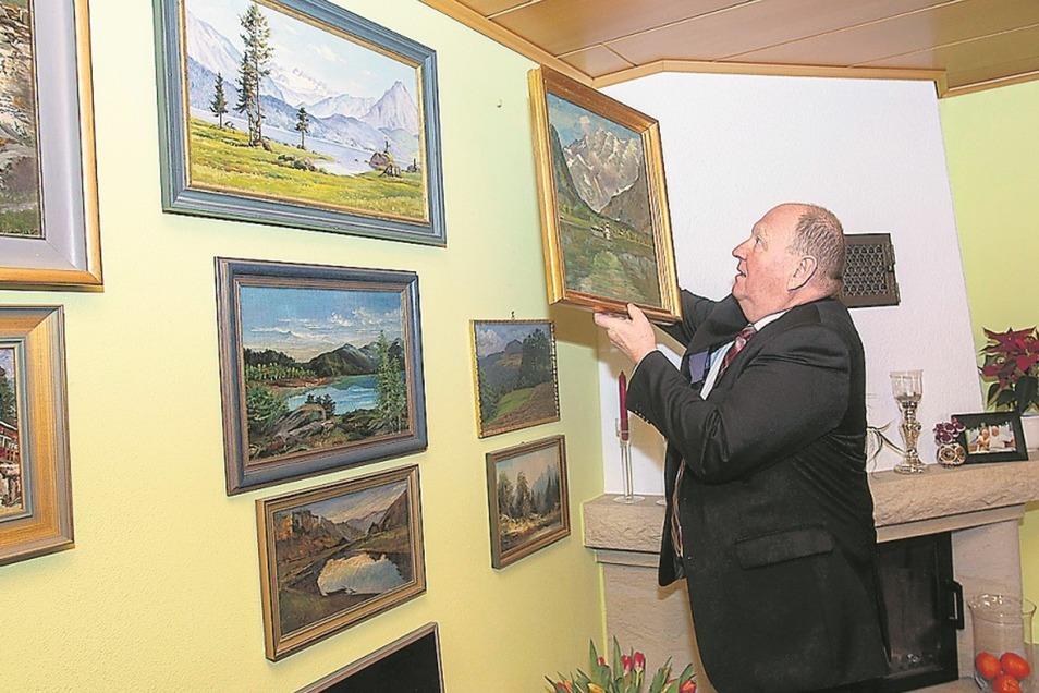 """Ein Haus voller Bilder, Schwerpunkt Natur und Sächsische Schweiz. """"Für die Sammlung habe ich mir einen kleinen Fonds angelegt"""", sagt Klaus Brähmig."""