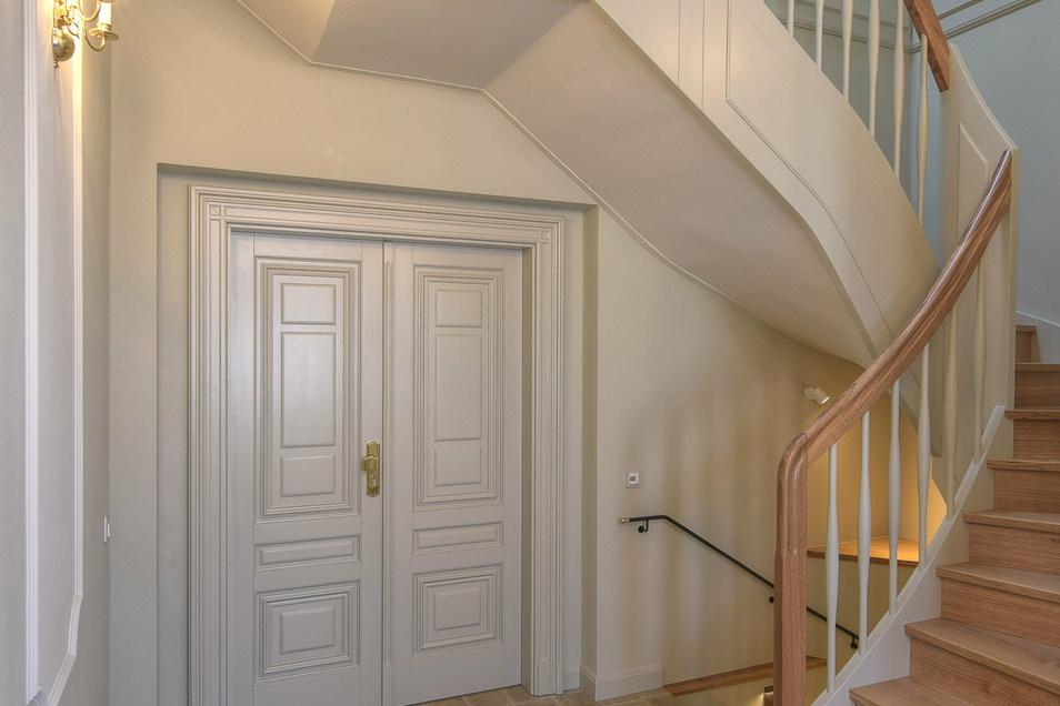 Was erhalten war, wurde aufgearbeitet, andere Details wie Türen oder Fensterrahmen mussten nachgebaut werden.