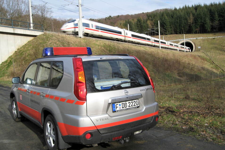 Schnellbahnstrecke der Deutschen Bahn: So ähnlich könnte der Tunneleingang der Neubaustrecke Dresden-Prag bei Heidenau oder Pirna einmal aussehen.