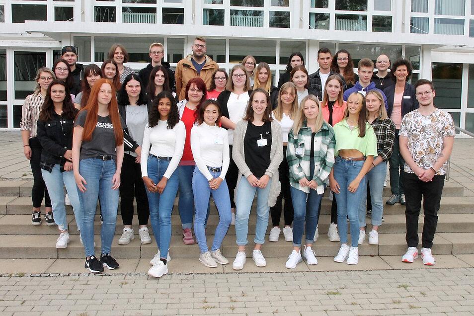 Diese jungen Damen und Herren starteten am 1. September die Ausbildung zum Pflegefachmann/-frau im Lausitzer Seenland Klinikum.