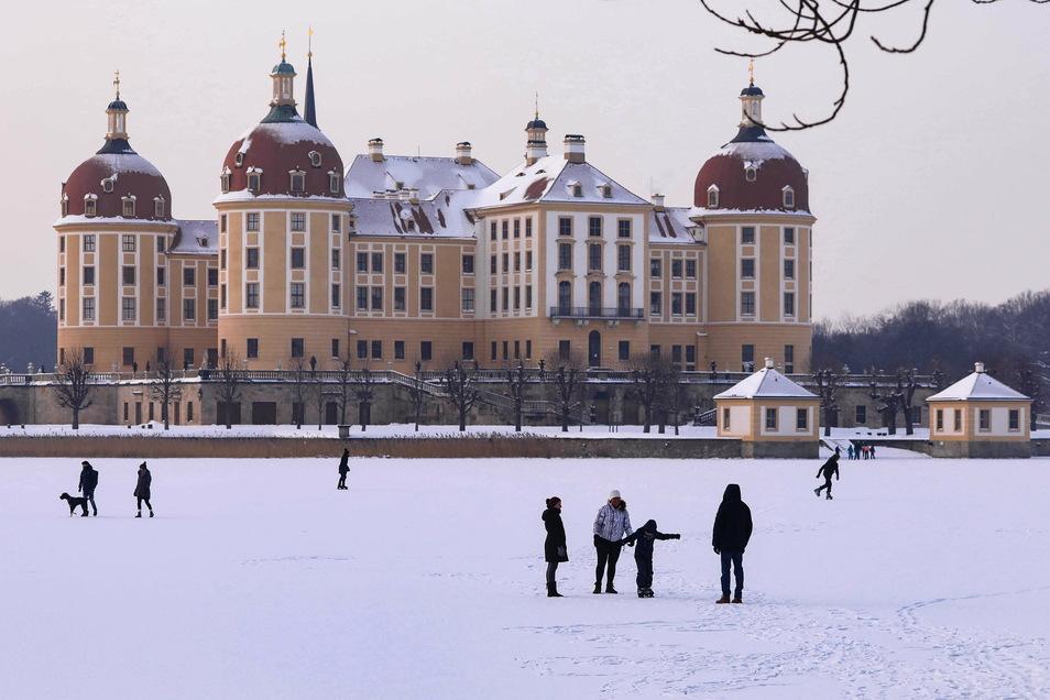 Schloss Moritzburg liegt in einer aktuell womöglich coronafreien Gemeinde. Darauf deuten die aktuellen Zahlen des Gesundheitsamts Meißen hin.