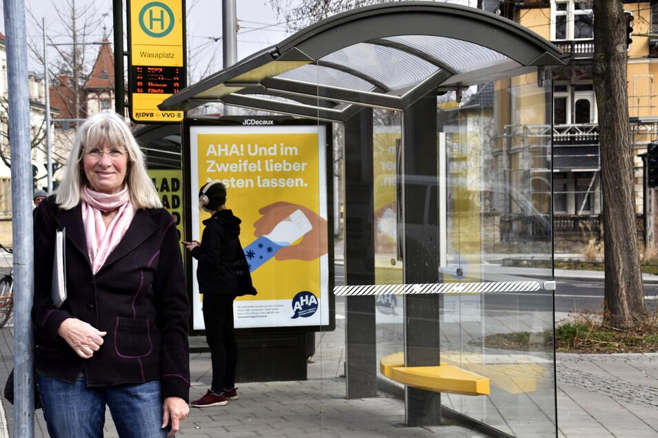 """Christine Lehnert hat die DVB-Unterstände """"Typ Dresden"""" entworfen - 800 Dresdner Wartehäuschen droht der Abriss."""