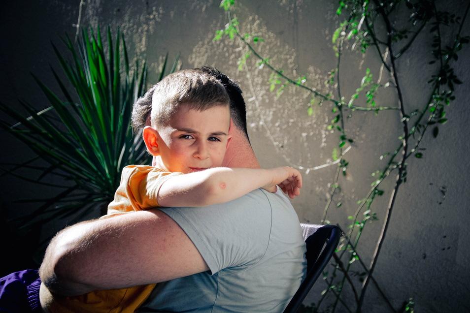 """""""Papa, ich dachte, die Polizei hat dich erschossen"""", sagte Gabriel (5) nach der Abschiebung."""
