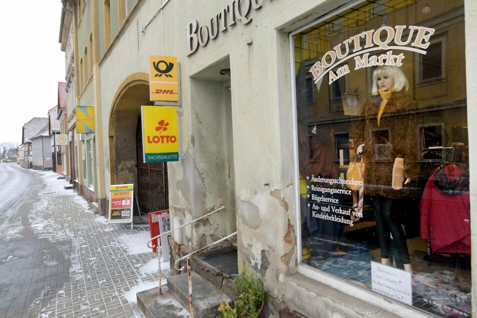 """In der """"Boutique am Markt"""" wurden bisher Pakete und Briefe angenommen und ausgegeben sowie Briefmarken verkauft. Das Geschäft ist aber seit Ende Januar geschlossen."""
