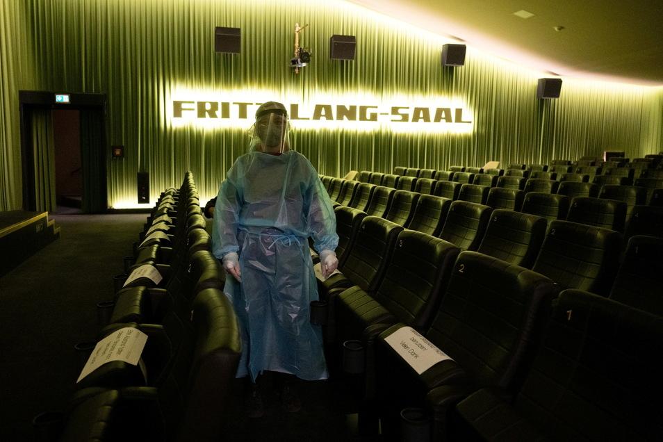 Das einzige Dresdner Kino, das derzeit öffnen darf: Auch in der Schauburg wird getestet.