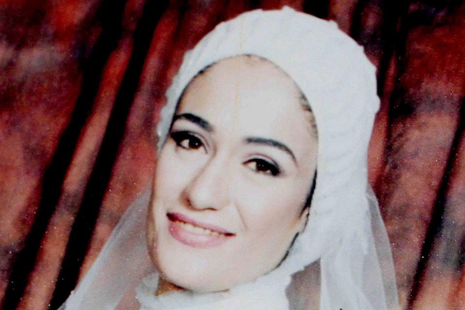 Marwa El-Sherbini sollte 2009 als Zeugin vor Gericht aussagen. Während der Verhandlung wurde die 31-Jährige von dem deutschen Angeklagten ermordet.