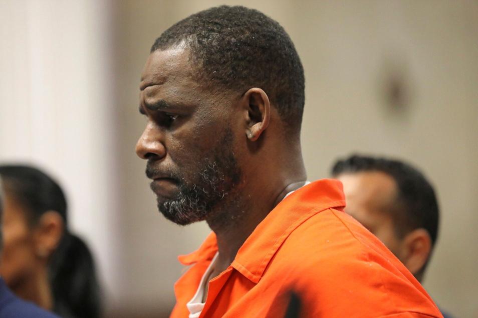 US-Sänger R. Kelly muss sich vor Gericht verantworten.