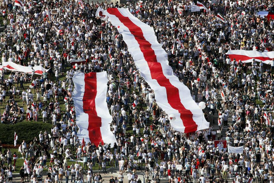 Seit der von Fälschungsvorwürfen überschatteten Präsidentenwahl vor mehr als einer Woche kommt es in Belarus jeden Tag landesweit zu Protesten.