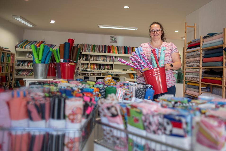 """Andrea Seibt zog mit ihrem Handarbeits-Label """"Ellenlang"""" innerhalb der City um. Und verdreifachte so die Ladenfläche. Auf 200 Quadratmetern finden Kunden an der Rosa-Luxemburg-Straße jetzt noch viel mehr Angebote."""
