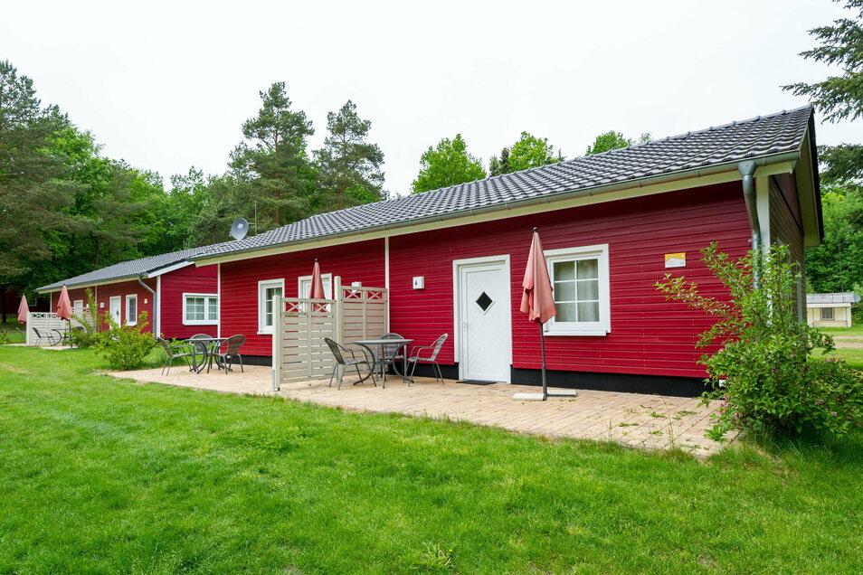 """Auch Bungalows, wie diese """"Schwedenhäuser"""", können gemietet werden."""