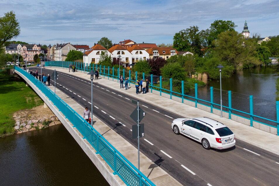 Seit Freitag rollt der Verkehr auf der Brücke Schillerstraße. Die Pläne für die zweite Muldenquerung gibt es seit über 100 Jahren.
