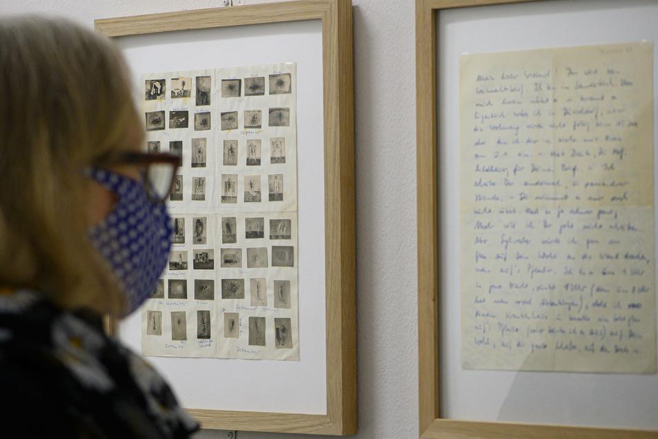 Eine Besucherin in der Ausstellung des Gerhard Richter Archivs der Staatlichen Kunstsammlungen Dresden (SKD) im Albertinum.