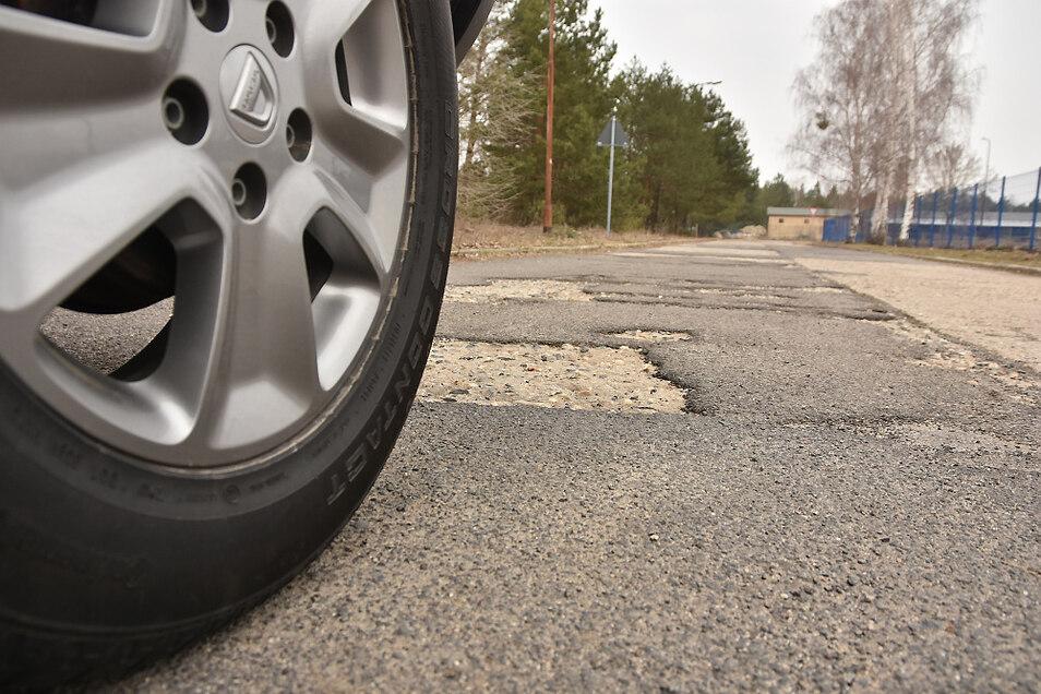 Schön sind die meisten Straßenabschnitte im Industriegelände nicht, vor allem nicht schön zu befahren. Doch die Sanierungspläne sind nicht unumstritten.