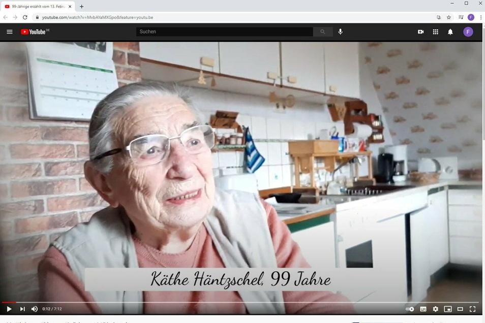 Auf Youtube erzählt Käthe Häntzschel aus Sebnitz wie sie den 13. Februar 1945 in Dresden erlebte.