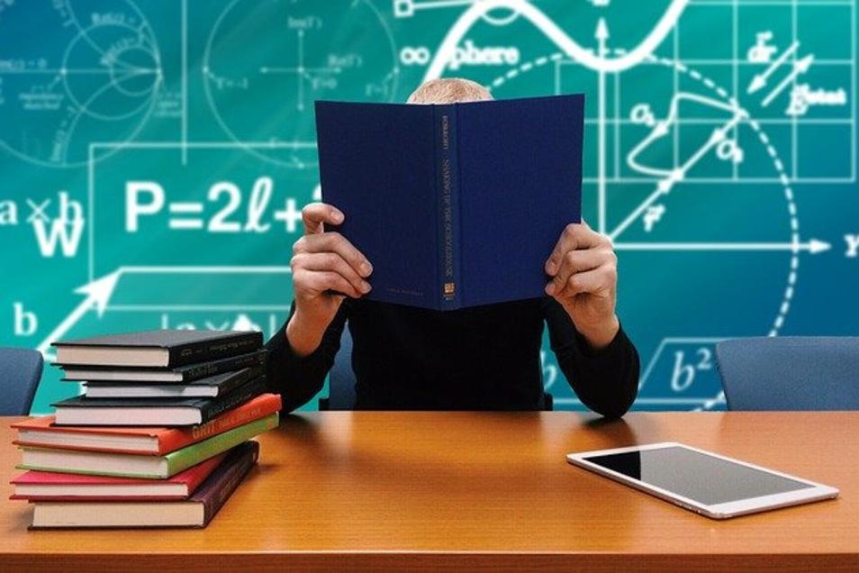 Uni nur mit Kreditkarte? die ZHAW in der Schweiz hatte mit der Entscheidung, Semesterbeiträge nur noch per Kreditkarte zahlen zu können, für mächtig Trubel gesorgt.