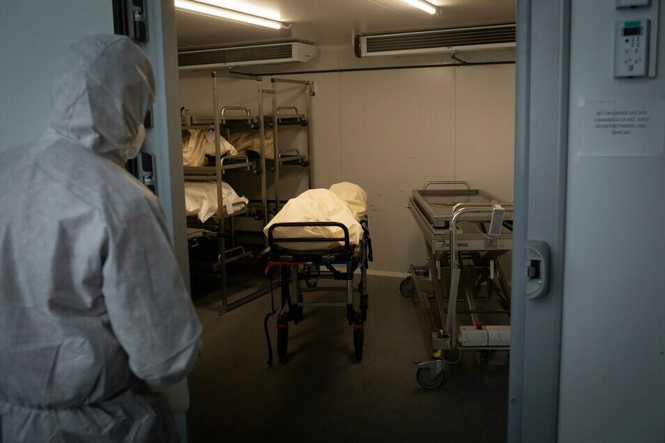 So wie in diesem Kühlraum werden Verstorbene aufbewahrt.