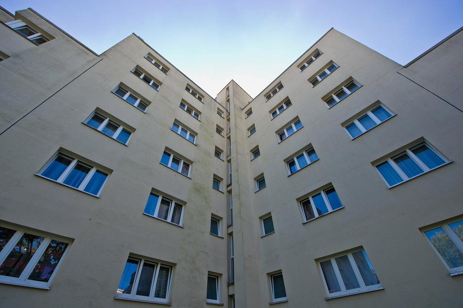 Viele träumen vom eigenen Haus. Aus ökologischer Sicht wäre es jedoch oft sinnvoller, wenn sie in ihrer Stadtwohnung blieben.
