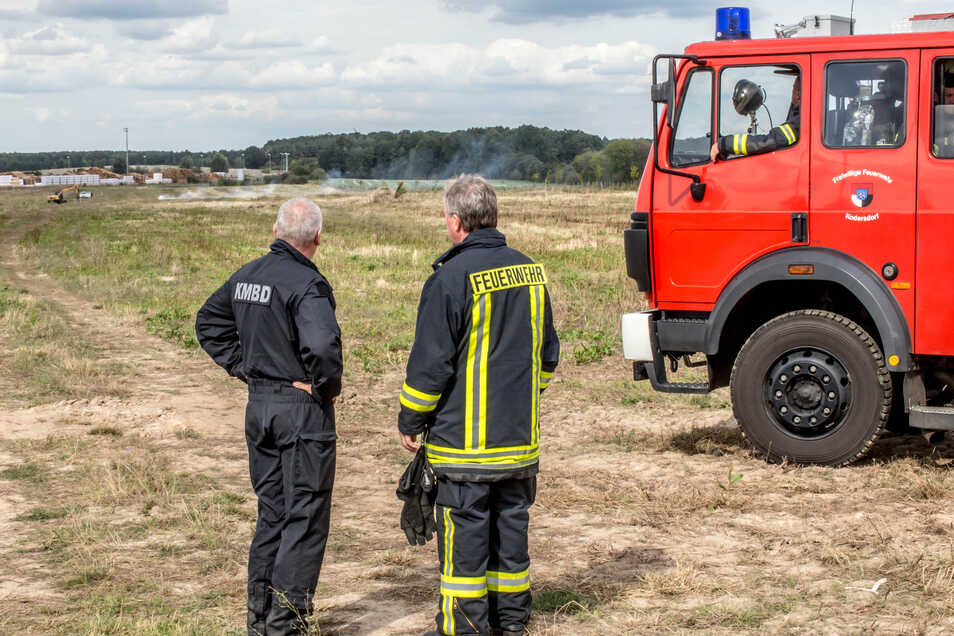 Brennt da nicht noch was? Nach der Sprengung schaute die Feuerwehr genauer hin.