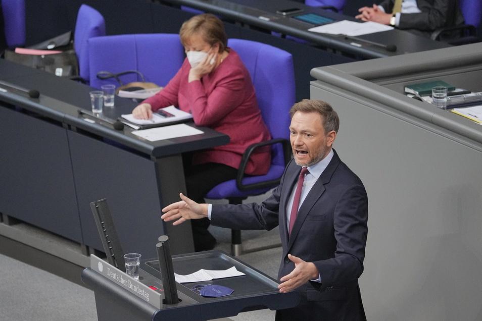 """Christian Lindner (FDP) bezeichnete die geplanten Regelungen zu nächtlichen Ausgangsbeschränkungen verfassungsrechtlich """"hochproblematisch""""."""