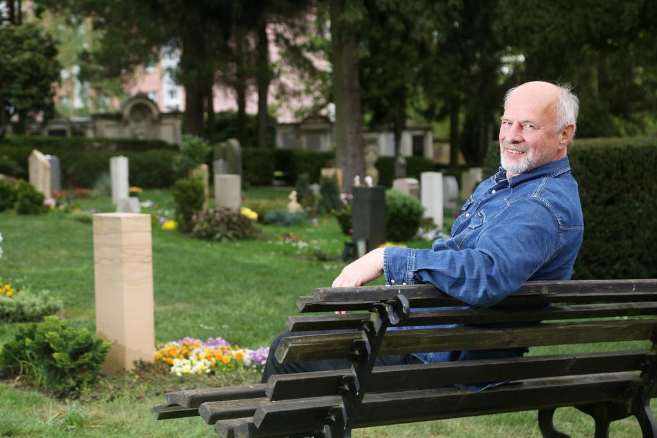 Der Trinitatisfriedhof ist für den ehemaligen Pfarrer einer der schönsten Plätze in Riesa.