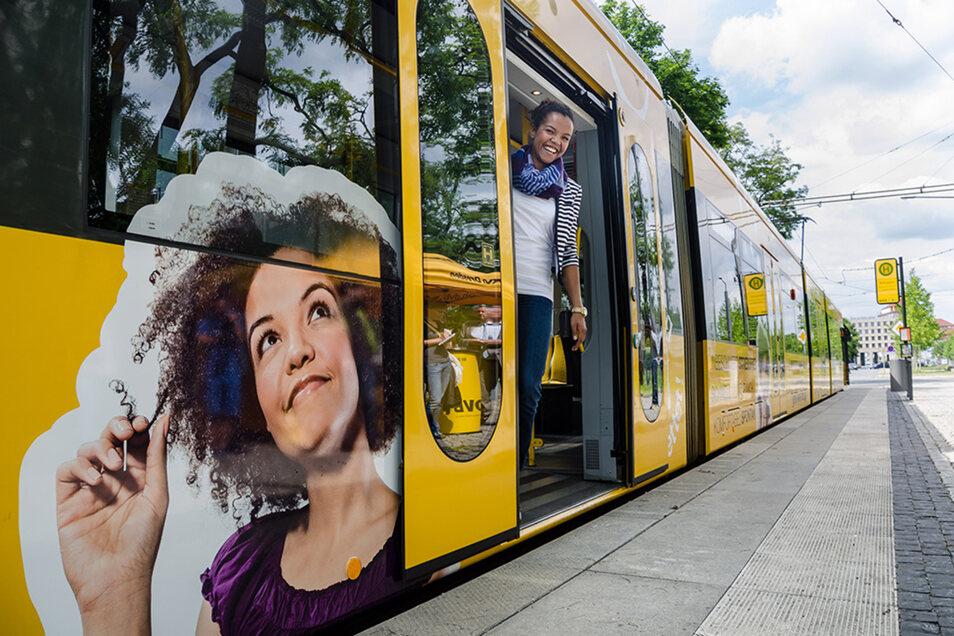 Das Gesicht kenn ich doch! Vor fünf Jahren lächelte Joana Garcia von einem Straßenbahnwagen in Dresden. Zuvor hatte sie einen Wettbewerb gewonnen.