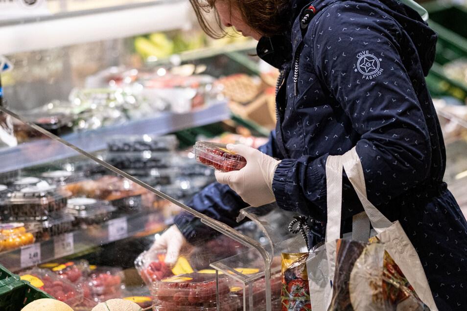 Keine Urlaubsreisen, keine Restaurantbesuche: Bei Kunden sitzt der Euro in diesem Jahr etwas lockerer, vermuten Händler.